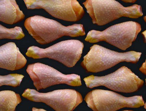 Hofer: Piščančja bedra / Kontrolirana atmosfera. Boljše meso.